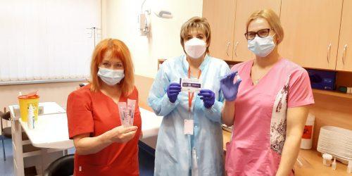 Ogres slimnīcā uzsāk mediķu un darbinieku vakcināciju pret Covid-19
